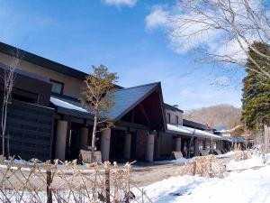 ◆冬の外観/支笏湖にほど近い、自然豊かな環境。