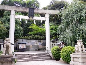乃木神社<BR>ホテルより徒歩10分