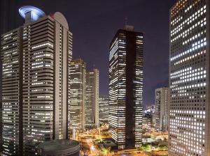 高層階部屋からは新宿の夜景が一望!