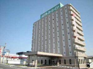 10階建てのホテル外観