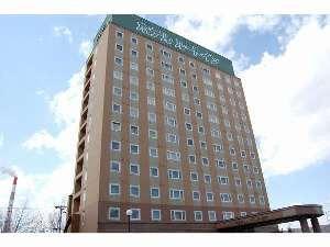 ホテル外観はとても雄大な北海道をイメージさせる作りです。