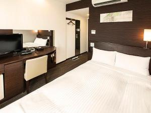 世界水準のシーリー社製のシングルベットルームで快適ホテルステイ、エレベータセキュリティも有り!