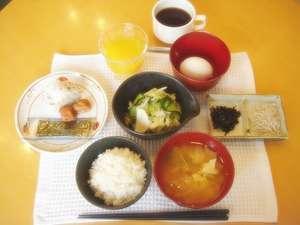 手作りの温かい朝食です。どうぞお召し上がりください