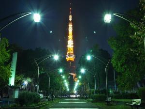 近隣観光:御成門から東京タワー(当ホテルから徒歩5分〜8分)