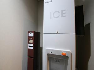 各フロアに製氷機有り