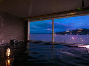 ≪大浴場≫最上階からの景色をご覧ください♪
