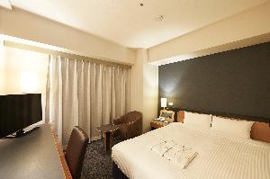 デラックスダブル 18平米 160cm幅ベッド
