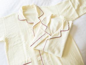 ワンピースタイプのパジャマをご用意しています。
