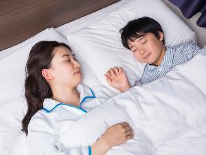 【添い寝無料】小学6年生までのお子様は添い寝無料でご案内しております