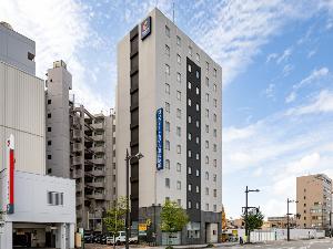 JR富山駅から徒歩約2分!