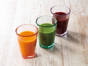 【スムージー3種】手軽に野菜を果実の栄養をチャージ。冷たくおいしい3種類のスムージーです。