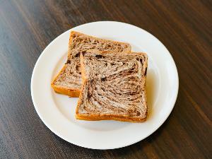【無料朝食サービス】 食パン(マーブル)