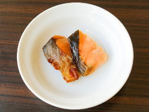 【無料朝食サービス】 焼き魚_鮭